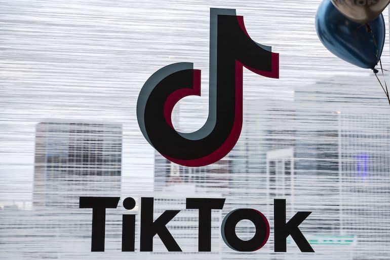 TikTok自動再生(スクロール)をオフにする唯一の方法をわかりやすくご紹介!